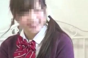 ドスケベ制服女子校生の仲良し二人がスマホ片手に激しい相互オナニーでイキまくる伝説の動画www
