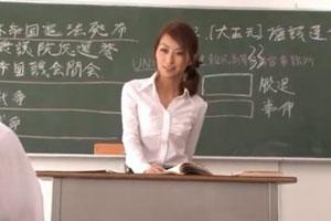 No709|美人教師が授業中ムラムラしたので保健室に駆け込んでオナニー生徒に隠し撮りされてた件www